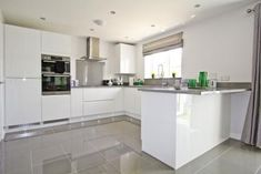 65 Ideas Home Dco White Cuisine Open Plan Kitchen Living Room, Home Decor Kitchen, Kitchen Interior, New Kitchen, Kitchen White, Luxury Kitchens, Home Kitchens, Symphony Kitchen, High Gloss Kitchen
