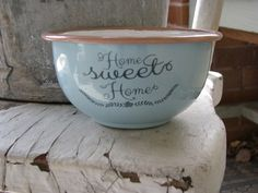 Display your love of home with this Home Sweet Home bowl at the Quilt Shop. It is perfect for adding simple style and beauty to your country home. https://www.primitivestarquiltshop.com/collections/farmhouse-primitives/products/home-sweet-home-bowl