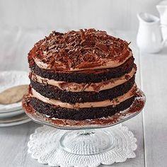 Paras suklaakakku syntyy tietysti Fazerin Sininen -suklaasta. Baking Recipes, Dessert Recipes, Desserts, Finnish Recipes, Sweet Bakery, Sweet Pastries, Something Sweet, Tasty Dishes, Sweet Treats