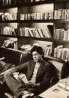 Shahrukh Khan of the day Sitting pretty Feb 26, 2016
