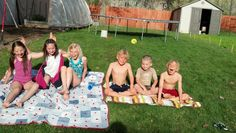 Ready to create a fantastic summer routine for your children that combines structure AND fun? This post by Saren Loosli will show you how.