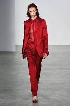Helmut Lang Fall 2019 Ready-to-Wear Fashion Show - Vogue Red Fashion, Fashion Week, New York Fashion, Fashion Brands, Fashion Looks, Womens Fashion, Fashion Websites, Seoul Fashion, Catwalk Fashion