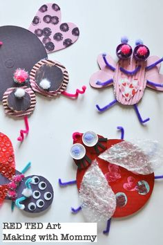 Recycled Love Bugs – Red Ted Art Easy Recycled Love Bugs – a great Valentines Craft for kids. Get creative with recycled cardboard and other bits for Valentines. Great Valentines Art for Kids and Preschoolers Valentines Art For Kids, Preschool Valentine Crafts, Kinder Valentines, Valentines Day Activities, Recycled Crafts Kids, Valentine's Day Crafts For Kids, Recycled Art, Diy Ombre, Diy Unicorn