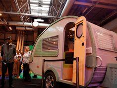 A Lego caravan Vintage Campers, Caravans, Camper Van, Van Life, Motorhome, Trailers, Lego, Vehicles, Camper