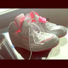 Retro style reebok Hot pink and white reebok sneakers size 6. Reebok Shoes Sneakers