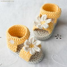 These adorable daisy sandals will keep even the tiniest tootsies looking especially cute and feminine this summer!.. And the best part, they're extremely fun and easy to crochet and can be whipped up in an afternoon!