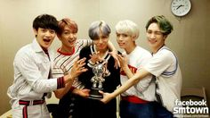 SHINee's 'View' reaches 1st place on 'M Countdown'.