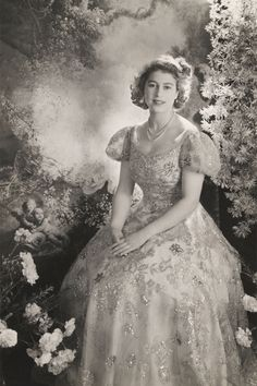 Elizabeth II looking bella....
