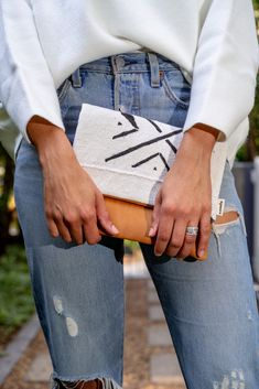Marie Clutch Hand Stitching, Clutch Bag, Im Not Perfect, Shop, Fabric, Leather, Bags, Tejido, Handbags