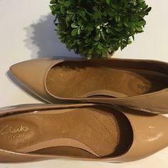 Clarks women shoes Clarks nude patent leather pumps. Kitten heels size 8.5 never worn outside. Clarks Shoes Heels