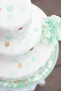 hochzeitstorten weddingcakes konfetti mintgrün   www.suess-und-salzig.de  www.sweet-candy-table.de