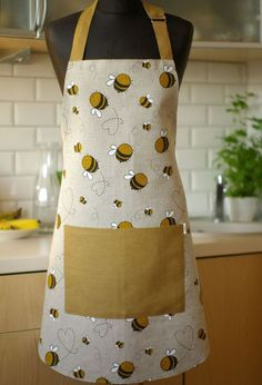 Linen Apron with Bees Kitchen apron Apron With Pocket by Reska