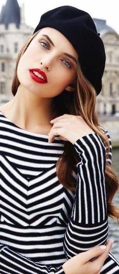 Una cita en Paris: Glamour Mexico & Latin America February 2016 by Enrique Vega Stripes Fashion, White Fashion, Paris Fashion, Girl Fashion, Fashion Outfits, Parisienne Chic, French Girl Style, French Chic, Glamour Mexico