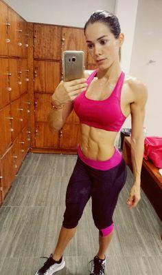 #bikinicompetitorprep #fitness #fitgirl #workout #nopainnogain