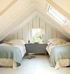 Guest Bedroom | Twin Beds
