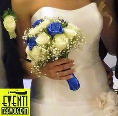 Rose bianche e blu