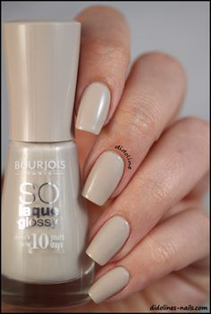 Bourjois - BCBeigé Not sure if tested on animals. Color Me Beautiful, Gorgeous Nails, Pretty Nails, Beauty Care, Beauty Hacks, Beauty Tips, Nail Polish Colors, Nail Polishes, Nail Candy