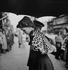 George Dambier, suzy parker entre chez Chistian Dior, Paris, 1952