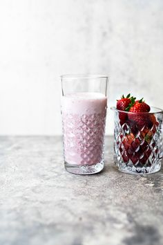 Smoothie con fragole e yogurt