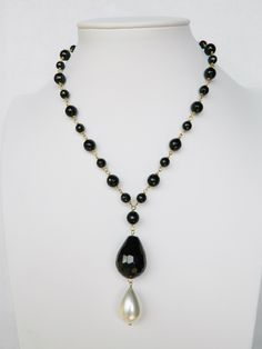 Rosary model necklace onyx and pearl