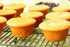 Zitronenmuffins fructosearm #cornbread #cornbreadrecipe #recipe Snacks, New Kitchen, Cornbread, Sweet Treats, Sweets, Ethnic Recipes, Food, Butter, Babyshower