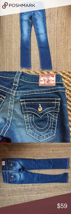 True Religion Rhinestone Jeans, size 24 Very gently worn jeans. Great fit with some bling! 99% Cotton, 1% Elastin. True Religion Jeans Straight Leg
