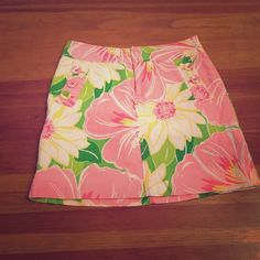 Lilly Pulitzer skirt Lilly Pulitzer skirt. There is one button missing...decrease price reflects this  Lilly Pulitzer Skirts