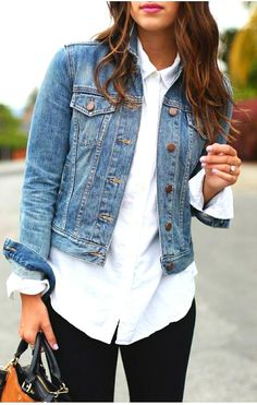 mode Put on your classic denim jacket with a white bu… - Although there ar Outfit Jeans, Jean Jacket Outfits, Denim Jacket Fashion, Jackets Fashion, Denim Jacket How To Wear A, Denim Jacket Outfit Winter, White Jacket Outfit, How To Wear Shirt, Jean Jacket Styles