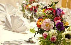 #bloemstukje op mooie zomertafel www.webloom.nl