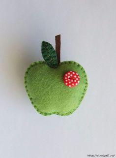 Felt brooch/pin green apple with a by jammypudding Felt Diy, Felt Crafts, Fabric Crafts, Sewing Crafts, Sewing Projects, Craft Projects, Felt Christmas Ornaments, Christmas Crafts, Felt Keyring