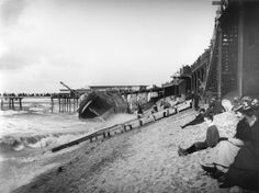 wreck of Sirene and sea wall 1892 Retro Pictures, Old Pictures, Old Photos, Blackpool Beach, Blackpool England, British Seaside, Local History, Places Of Interest, Great British