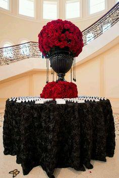 Elegant black and red wedding, black tie wedding, escort card table Gothic Wedding, Red Wedding, Wedding Blog, Wedding Day, Wedding Centerpieces, Wedding Decorations, Unique Centerpieces, Red Cake, Deco Table