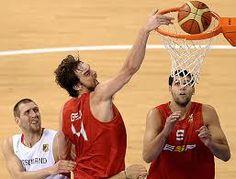 La edad de oro del baloncesto español ha convertido a la Selección y a jugadores ya legendarios como Pau Gasol o Juan Carlos Navarro en estandartes de la edad de oro de nuestro deporte junto a Fernando Alonso, Rafa Nadal o la Selección de fútbol. Todo comenzó con la generación de 1980, los juniors de oro campeones de Europa y del mundo en 1998 y 1999.