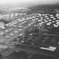 86 mentions J'aime, 1 commentaires – Propos Montréal (@proposmontreal) sur Instagram : «L'est de la ville en 1970 est parsemé de réservoirs de pétrole. Ces réservoirs, ou des semblables…»