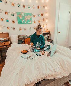 20 Pretty Dorm Room Ideas For Popular Girls. 20 Pretty Dorm Room Ideas For Popular Girls My New Room, My Room, Living Room Decor, Bedroom Decor, Bedroom Ideas, Teen Bedroom, Bedroom Designs, Bedroom Wall, Beach Room Decor