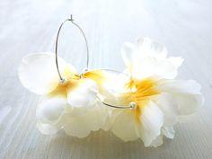 Ivory Flower Petals Earrings, volumy big flower hoop earrings / Glass pearls, silver tone Nickel free hoops - Ivory yellow L size -