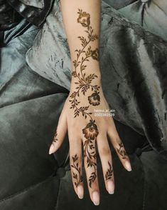 - You are in the right place about (notitle) Tattoo Design And Style Galleries On The Net – Are The - Modern Henna Designs, Floral Henna Designs, Latest Henna Designs, Mehndi Designs Feet, Mehndi Designs Book, Mehndi Designs 2018, Mehndi Design Photos, New Bridal Mehndi Designs, Unique Henna
