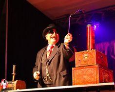 Magic Castle alumus Pop Haydn at Steampunk World's Fair with his Tesla coil trick