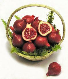 Pomegranates #fruit, miniatures