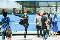 YG Entertainment released some cute behind cuts of their newest actor Lee Jong Suk from his drama 'W' on August 3!He might be all charms and charisma …