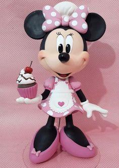 Bolo Do Mickey Mouse, Minnie Mouse Cake Topper, Minnie Mouse Theme Party, Bolo Minnie, Minnie Cake, Mickey Mouse Cartoon, Mickey Minnie Mouse, Princess Wedding Cakes, Miki Mouse