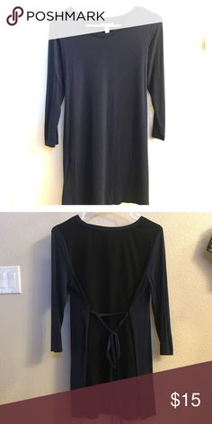 Liz Lange Maternity Dress (XS/TP) Navy Blue Maternity Dress, perfect with leggings. Black side is black with tie strings to adjust. Only worn twice, looks brand new. Liz Lange for Target Dresses Midi