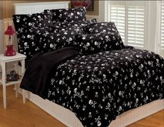 Thro Ltd. Skull and Crossbone Collection Microluxe Full/Queen Comforter Set, Black/White:Amazon:Home & Kitchen