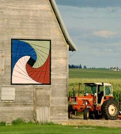 Grundy County, IA - Take a scenic drive to discover these roadside gems--colorful quilt designs painted on barns--and to enjoy the countryside.