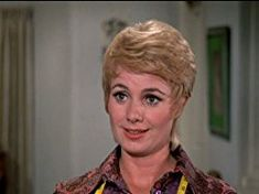 Pictures & Photos from The Partridge Family (TV Series - Shirley Jones as Shirley Partridge, the mother of the children. In real life, she was David Cassidy's stepmother. She was married to his father, Jack Cassidy. John Astin, Danny Bonaduce, Ray Bolger, Family Tv Series, Tv Moms, Susan Dey, Shirley Jones, Partridge Family, Jodie Foster