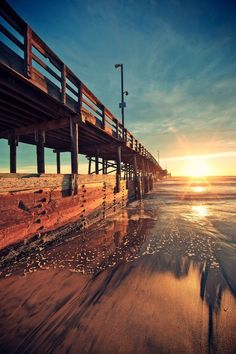 Sunrise in Newport Beach, CA Beautiful Sunset, Beautiful World, Beautiful Places, Foto Art, Pretty Pictures, Wonders Of The World, Amazing Photography, Surfing, Scenery