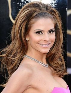 Each time Maria Menounos appears to the public, she is always so flawless and gorgeous with her pretty hairstyles and decent makeovers. Maria Menounos Hairstyles This post is about Maria Menounos' hairstyles all of. Wavy Haircuts, Stylish Haircuts, Retro Hairstyles, Elegant Hairstyles, Ponytail Hairstyles, Down Hairstyles, Updo, Beautiful Hairstyles, Elegance Hair