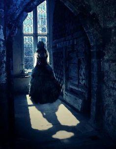 Luce fro the Fallen book series by Lauren Kate Fallen Saga, Fallen Series, Fallen Book, Fallen Angels, Lauren Kate, Dark Gothic, Gothic Art, Dark Fantasy Art, Dark Beauty