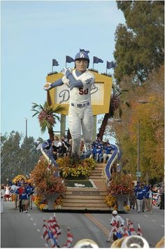 2012 Dodger Rose Bowl Parade float (miss smelling the roses every New Years back in LA still watching on tV but nothing like being there live!)
