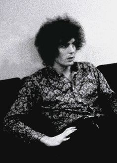 Now thats some hair.. Syd Barrett